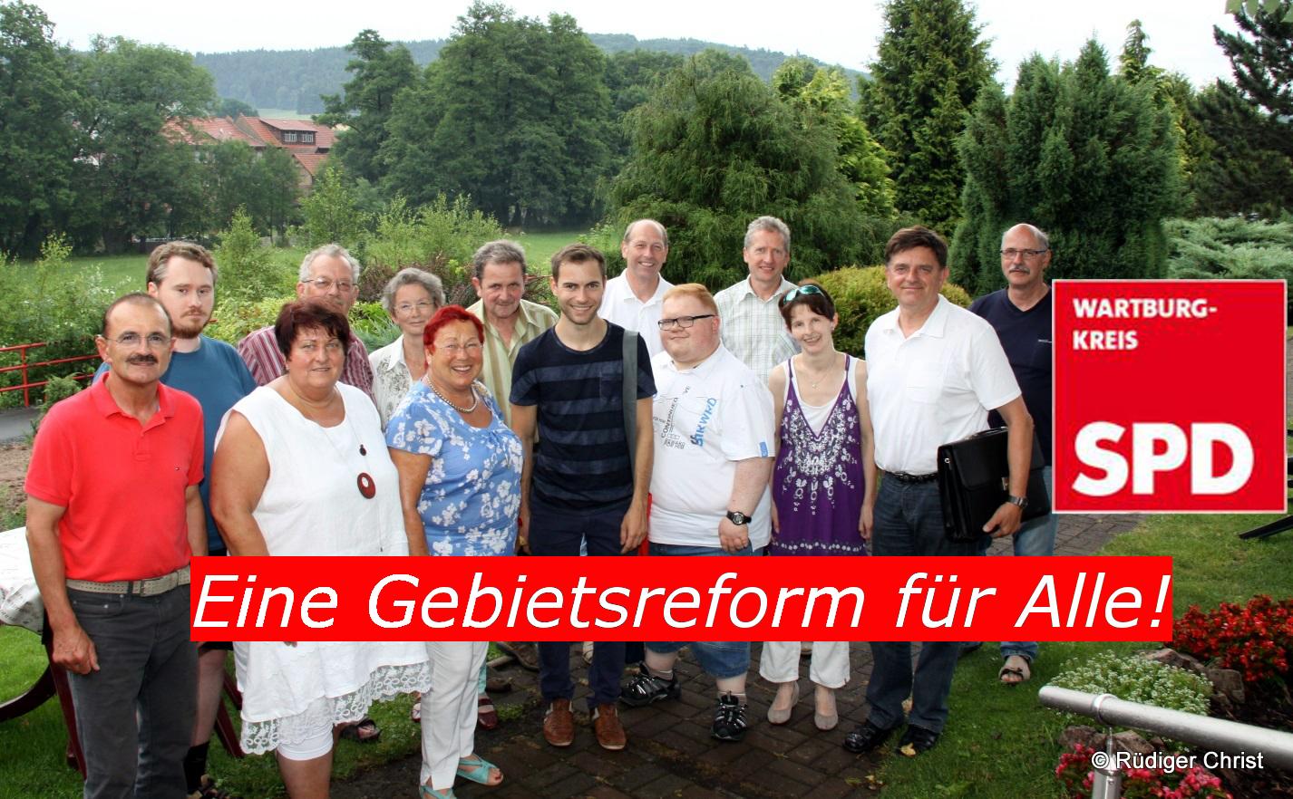 """SPD-Kreisvorstand und Mitglieder aus der Rhön fordern am 07.07.2015 in Weilar eine Gebietsreform im Sinne der Bürger und """"Die Rhön in einem Kreis""""."""