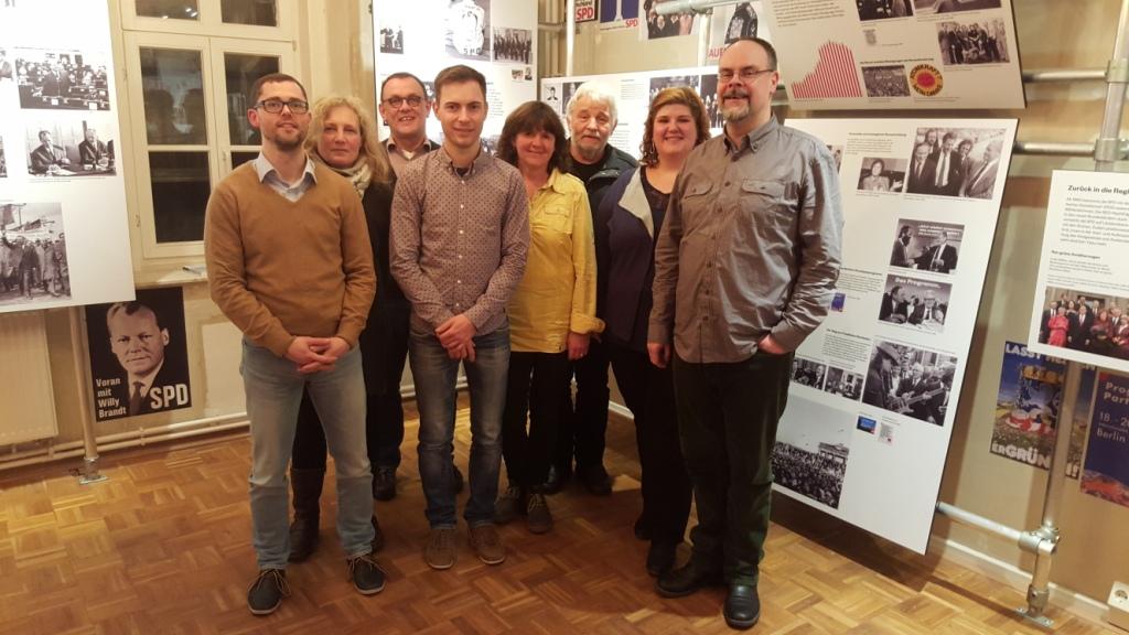 v.l.n.r. : Michael Klostermann (Vorsitzender), Heike Schlothauer (Revisor), Dr. Paul Pasch (Beisitzer), Maik Klotzbach (Revisor), Karin Richardt (Geschäftsführerin), Frank Fey (Schatzmeister), Heidrun Sachse (stellv. Vorsitzende), Michael Kellner (stellv. Vorsitzender), es fehlt: Dr. Wolfgang Schenk (Beisitzer)