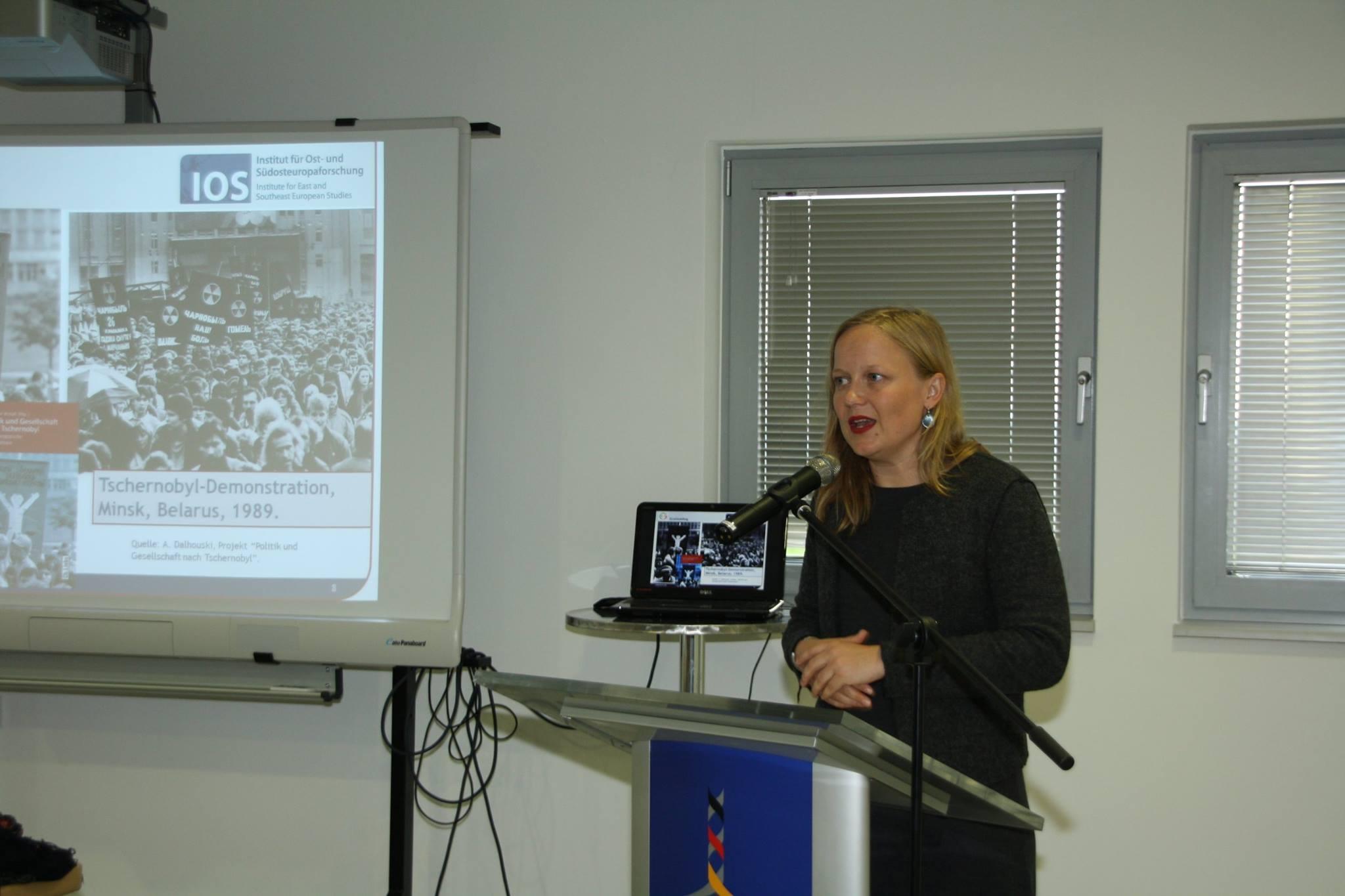 Dr. Melanie Arndt