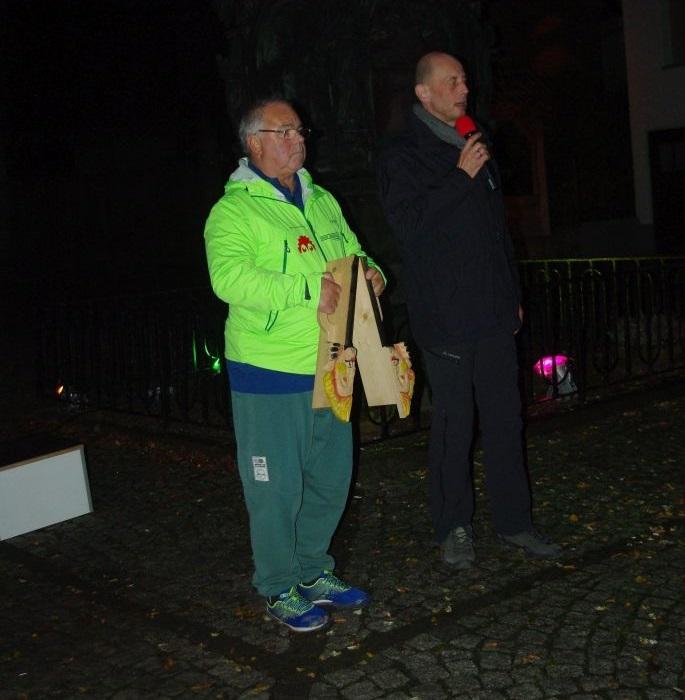 Bereits in den frühen Morgenstunden eröffnete Werner Wolf vom Pummpälz e.V. gemeinsam mit Wirtschaftsminister Wolfgang Tiefensee die 1. Wanderweltmeisterschaft in Möhra